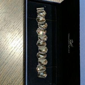 Beautiful Swarovski crystal bracelet (dark grey)
